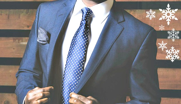 Osez l'originalité avec un costume bleu marine, chic et élégant