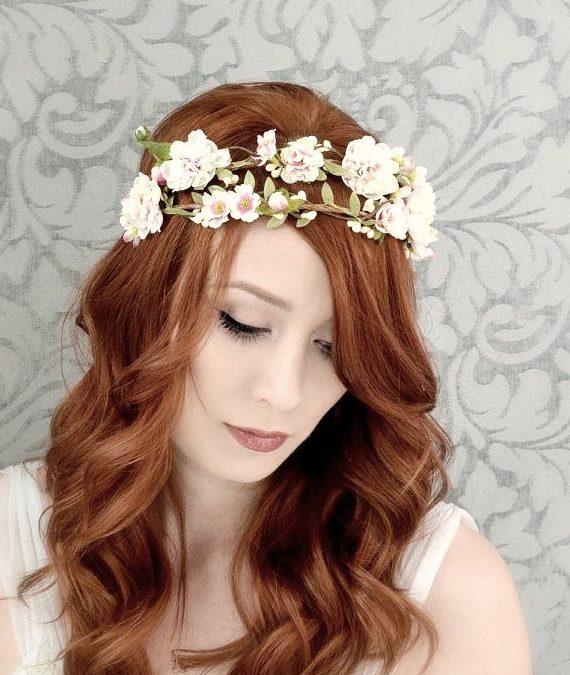 Accessoire de cheveux pour mariage : zoom sur la couronne